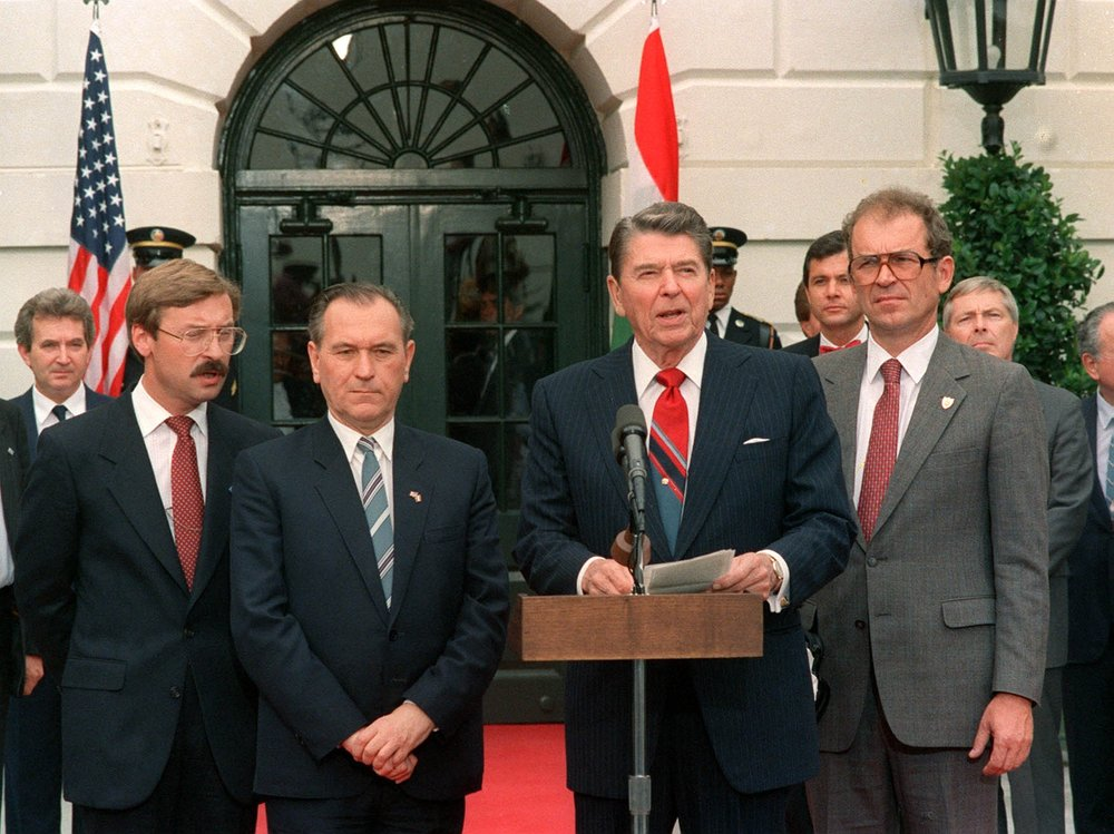 1988. július 27.